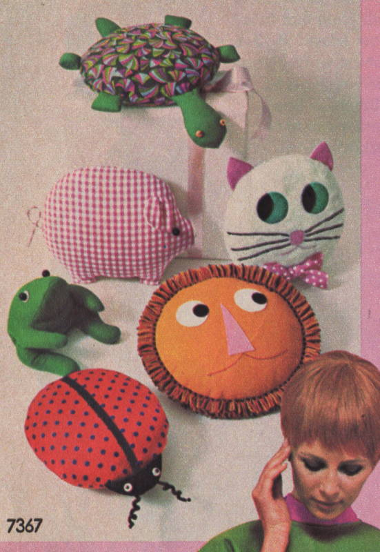 Simplicity 7367 1960s Animal Pillow Pajama Bag Pattern Pig